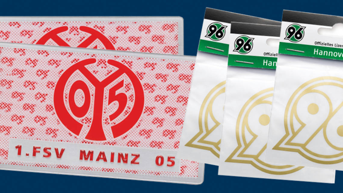 First class: A 4D Magic sticker with relief optics by Mainz 05 and a foil sticker in blister packaging by Hannover 96. | © RATHGEBER GmbH & Co. KG